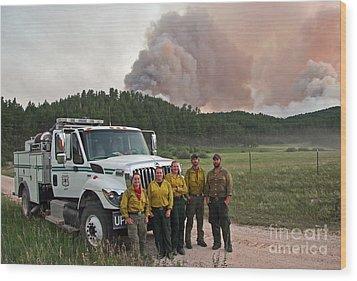Wood Print featuring the photograph Umpqua Engine 25 On Myrtle Fire by Bill Gabbert