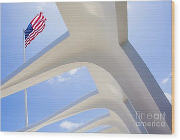 U.s.  Flag At The Uss Arizona Memorial Wood Print by Diane Diederich