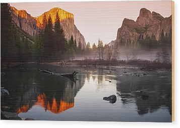 Valley View Winter Sunset Yosemite National Park Wood Print by Scott McGuire