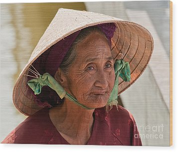 Vietnamese Lady Wood Print by Rick Piper Photography