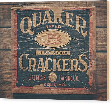 Vintage Quaker Crackers For The Kitchen Wood Print by Lisa Russo