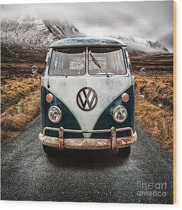 Vw In Glen Etive Wood Print by John Farnan
