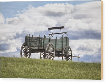 Wagon On A Hill Wood Print by Eric Gendron