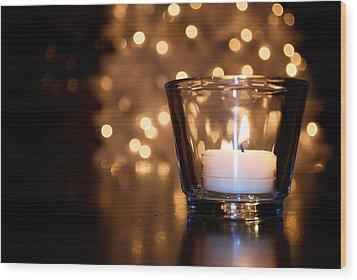 Warm Christmas Glow Wood Print by Lisa Knechtel