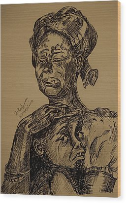 Weeping Mother And Kid Wood Print by Umme Kulsoom