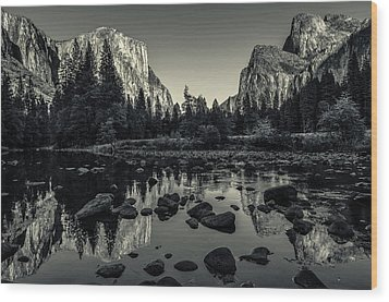 Yosemite National Park Valley View Reflection Wood Print by Scott McGuire