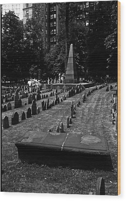 Old Boston Cemetery Wood Print by Thomas D McManus