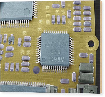 Circuit Board Microchip, Sem Wood Print by Steve Gschmeissner