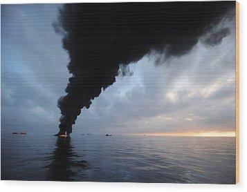Oil Spill Burning, Usa Wood Print by U.s. Coast Guard
