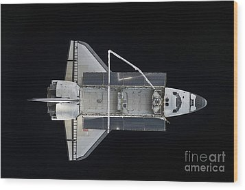Space Shuttle Atlantis Backdropped Wood Print by Stocktrek Images