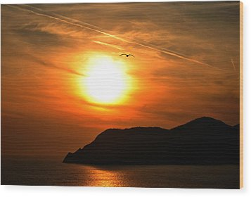 Sunset In The Village Corniglia Wood Print by Neha Singh