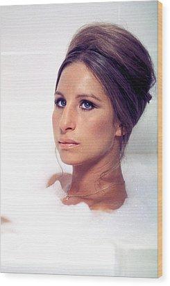 Whats Up, Doc, Barbra Streisand, 1972 Wood Print by Everett