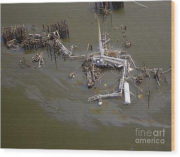 Hurricane Katrina Damage Wood Print by Science Source