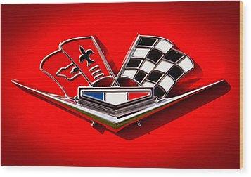 1963 Chevy Corvette Emblem Wood Print by David Patterson