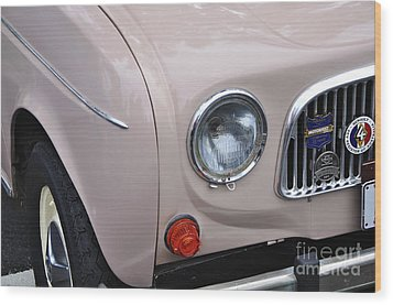 1963 Renault R4 - Headlight And Grill Wood Print by Kaye Menner