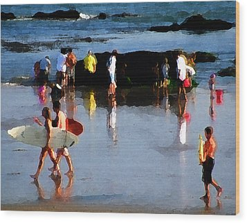 Beach Talk Wood Print by Ron Regalado