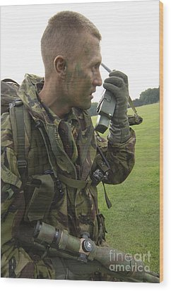 A British Army Soldier Radios Wood Print by Andrew Chittock