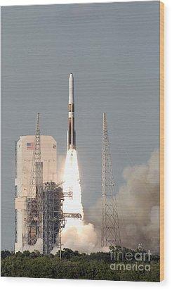 A Delta Iv Rocket Lfits Wood Print by Stocktrek Images