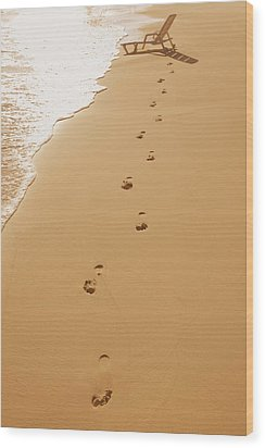 A Walk On The Beach Wood Print by Don Hammond