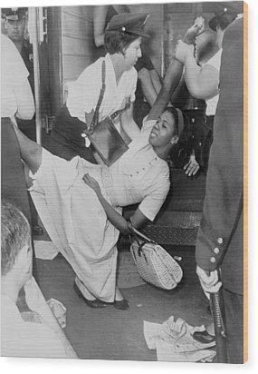 African American Woman Resisting Wood Print by Everett