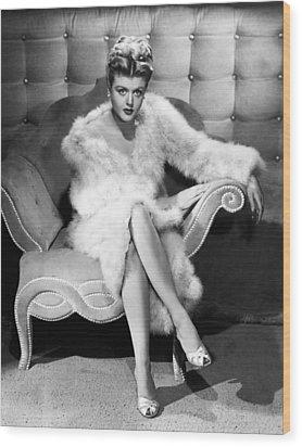 Angela Lansbury, 1946 Wood Print by Everett