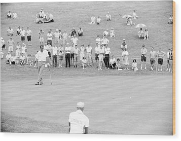 Arnold Palmer Waits At 1964 Us Open At Congressional Country Club Wood Print by Jan W Faul
