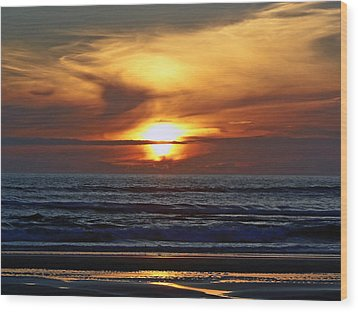 Beach Sunset  Wood Print by Pamela Patch