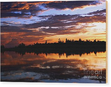 Breathtaking Sunset Wood Print by Luis and Paula Lopez
