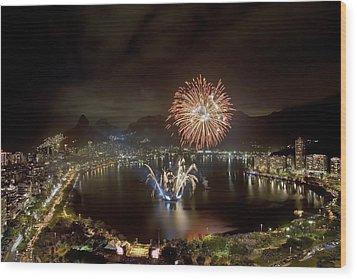 Christmas In Rio 2 Wood Print by Sergio Bondioni