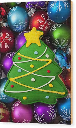 Christmas Tree Cookie With Ornaments Wood Print by Garry Gay
