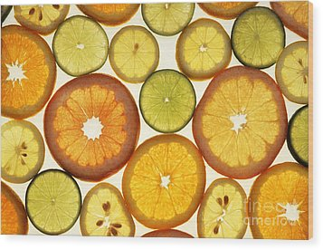 Citrus Slices Wood Print by Photo Researchers