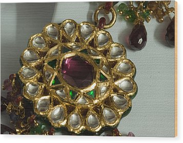 Close Up Of The Gold And Diamond Setting Of A Large Necklace Wood Print by Ashish Agarwal