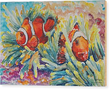 Clownfish In Their Paradise Wood Print by Barbara Pommerenke