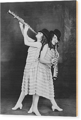 Daisy And Violet Hilton 1908-1969 Wood Print by Everett