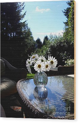 Daisy Bouquet In The Afternoon Light  2 Wood Print by Tanya  Searcy