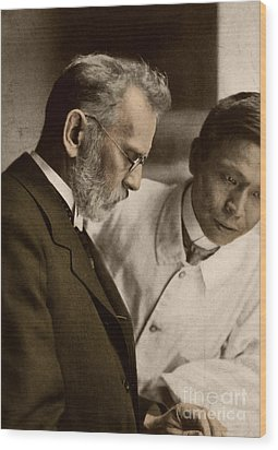 Ehrlich And Hata, Discoverers Wood Print by Science Source