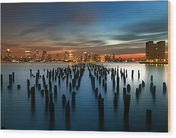 Evening Sky Over The Hudson River Wood Print by Larry Marshall