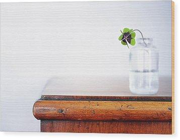 Fourleaf Cloverin Vase On Dresser Wood Print by Elisabeth Schmitt