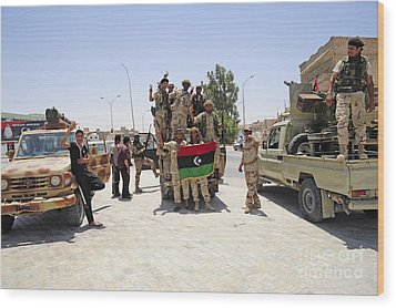 Free Libyan Army Troops Pose Wood Print by Andrew Chittock