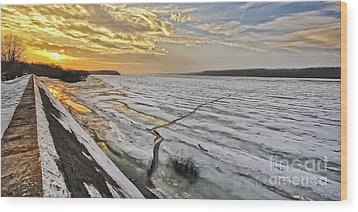 Glaciation Of The Danube. Wood Print by Evmeniya Stankova