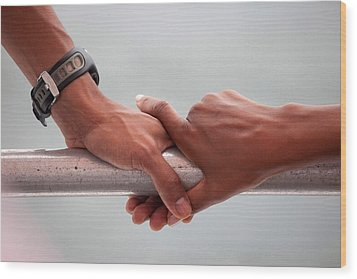 Hands Of President Obama And Michelle Wood Print by Everett