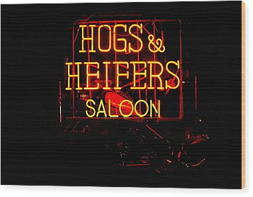 Hogs And Heifers Wood Print by Bobby Deal
