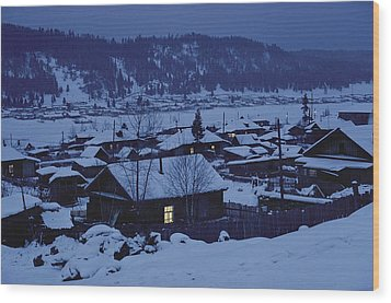 Houses In The Snow At Dusk Wood Print by Dean Conger