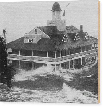 Hurricane Carol Wood Print by Science Source