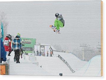 Kelly Clark Womens U S Snow Boarding Open 2011 Wood Print by Linda Pulvermacher