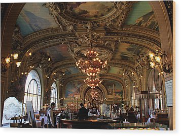 Le Train Bleu Wood Print by Andrew Fare