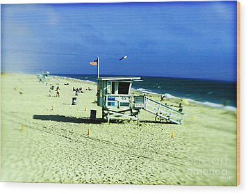 Lifeguard Shack Wood Print by Scott Pellegrin