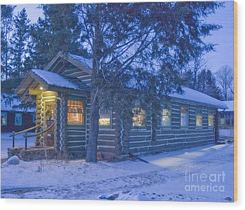 Log Cabin Library 1 Wood Print by Jim Wright