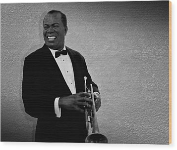 Louis Armstrong Bw Wood Print by David Dehner
