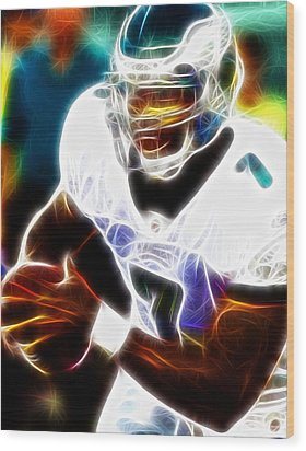 Magical Michael Vick Wood Print by Paul Van Scott